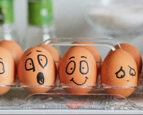 content-marketing-eggs-with-expression